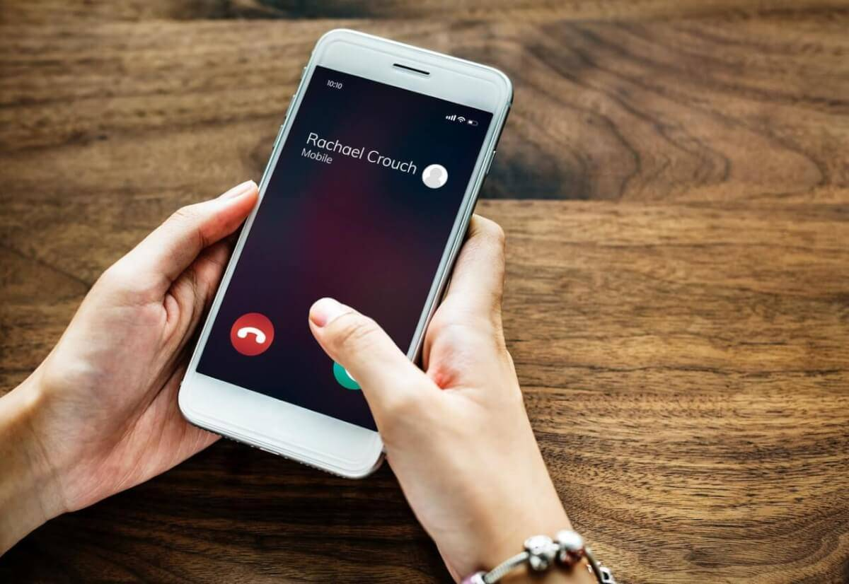 Hack Phone Contacts on Someone's iPhone and Android Devices Now with