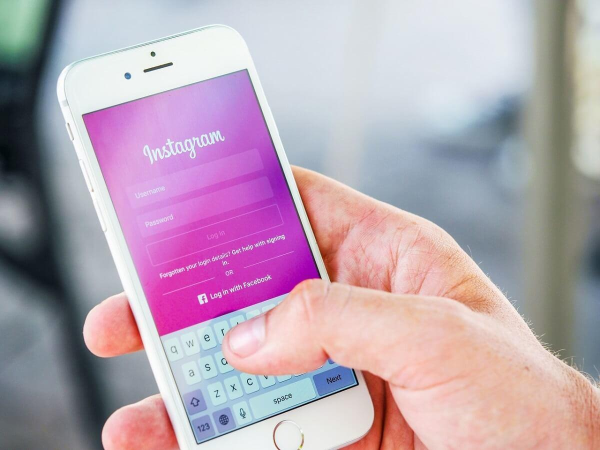 Instagram Tracker App